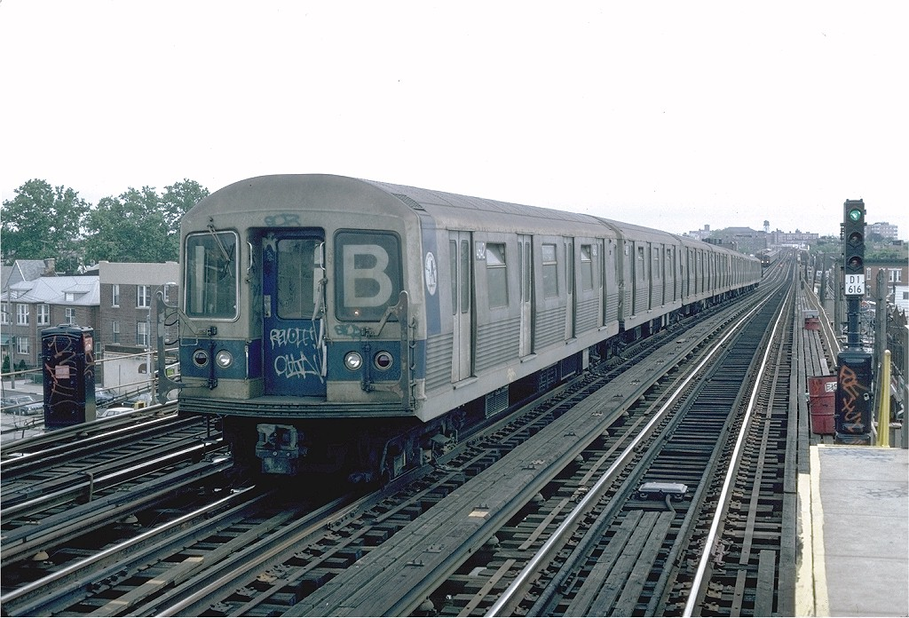 (217k, 1024x696)<br><b>Country:</b> United States<br><b>City:</b> New York<br><b>System:</b> New York City Transit<br><b>Line:</b> BMT West End Line<br><b>Location:</b> 71st Street <br><b>Route:</b> B<br><b>Car:</b> R-42 (St. Louis, 1969-1970)  4642 <br><b>Photo by:</b> Steve Zabel<br><b>Collection of:</b> Joe Testagrose<br><b>Date:</b> 6/3/1982<br><b>Viewed (this week/total):</b> 0 / 3289