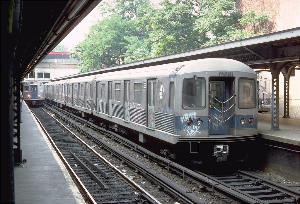 (277k, 1024x698)<br><b>Country:</b> United States<br><b>City:</b> New York<br><b>System:</b> New York City Transit<br><b>Line:</b> BMT Brighton Line<br><b>Location:</b> Prospect Park <br><b>Route:</b> D<br><b>Car:</b> R-42 (St. Louis, 1969-1970)  4722 <br><b>Photo by:</b> Doug Grotjahn<br><b>Collection of:</b> Joe Testagrose<br><b>Date:</b> 6/18/1977<br><b>Viewed (this week/total):</b> 3 / 4829