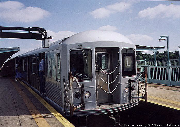(84k, 698x493)<br><b>Country:</b> United States<br><b>City:</b> New York<br><b>System:</b> New York City Transit<br><b>Line:</b> BMT Canarsie Line<br><b>Location:</b> Broadway Junction <br><b>Route:</b> L<br><b>Car:</b> R-42 (St. Louis, 1969-1970)  4786 <br><b>Photo by:</b> Wayne Whitehorne<br><b>Date:</b> 1998<br><b>Viewed (this week/total):</b> 1 / 2813