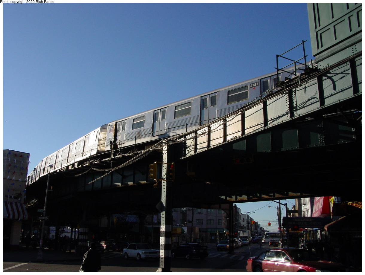 (63k, 820x620)<br><b>Country:</b> United States<br><b>City:</b> New York<br><b>System:</b> New York City Transit<br><b>Line:</b> BMT Myrtle Avenue Line<br><b>Location:</b> Wyckoff Avenue <br><b>Route:</b> M<br><b>Car:</b> R-42 (St. Louis, 1969-1970)  4787 <br><b>Photo by:</b> Richard Panse<br><b>Date:</b> 1/25/2002<br><b>Viewed (this week/total):</b> 0 / 4610