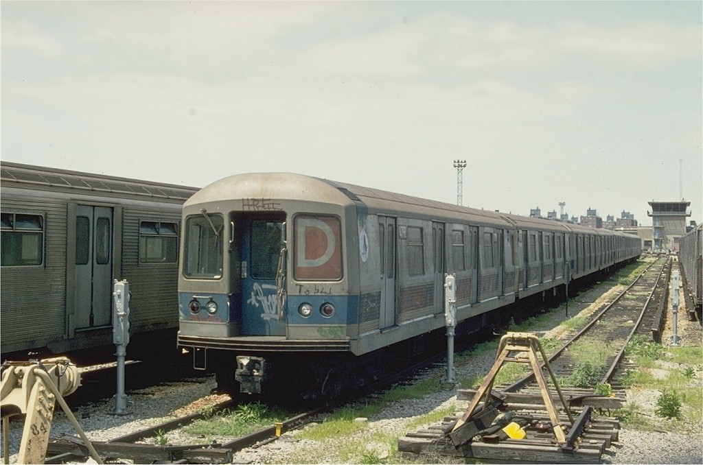(174k, 1024x678)<br><b>Country:</b> United States<br><b>City:</b> New York<br><b>System:</b> New York City Transit<br><b>Location:</b> Coney Island Yard<br><b>Car:</b> R-42 (St. Louis, 1969-1970)  4798 <br><b>Photo by:</b> Ed McKernan<br><b>Collection of:</b> Joe Testagrose<br><b>Date:</b> 6/1975<br><b>Viewed (this week/total):</b> 4 / 2911