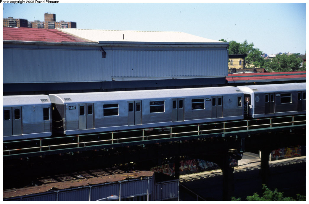 (155k, 1044x690)<br><b>Country:</b> United States<br><b>City:</b> New York<br><b>System:</b> New York City Transit<br><b>Line:</b> BMT Nassau Street/Jamaica Line<br><b>Location:</b> Broadway/East New York (Broadway Junction) <br><b>Route:</b> J<br><b>Car:</b> R-42 (St. Louis, 1969-1970)  4817 <br><b>Photo by:</b> David Pirmann<br><b>Date:</b> 8/1/1998<br><b>Viewed (this week/total):</b> 1 / 3721