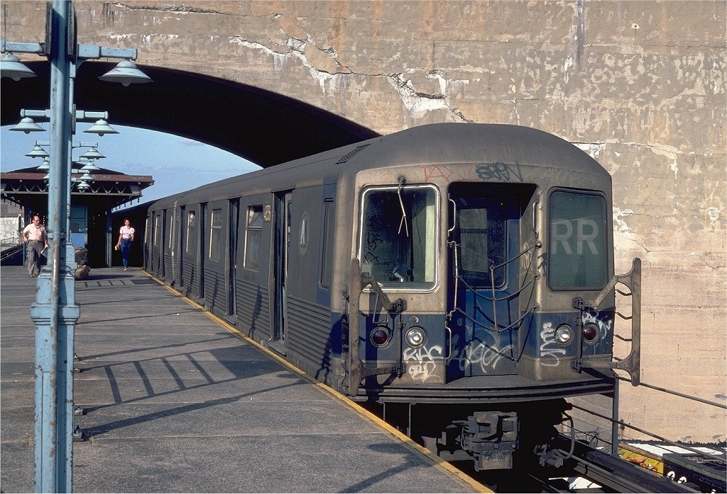 (270k, 1024x697)<br><b>Country:</b> United States<br><b>City:</b> New York<br><b>System:</b> New York City Transit<br><b>Line:</b> BMT Astoria Line<br><b>Location:</b> Ditmars Boulevard <br><b>Route:</b> RR<br><b>Car:</b> R-42 (St. Louis, 1969-1970)  4836 <br><b>Photo by:</b> Steve Zabel<br><b>Collection of:</b> Joe Testagrose<br><b>Date:</b> 8/13/1982<br><b>Viewed (this week/total):</b> 0 / 4017