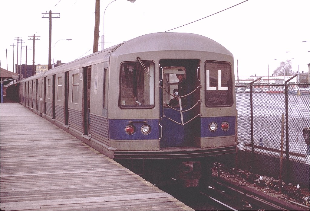 (226k, 1024x699)<br><b>Country:</b> United States<br><b>City:</b> New York<br><b>System:</b> New York City Transit<br><b>Line:</b> BMT Canarsie Line<br><b>Location:</b> Rockaway Parkway <br><b>Route:</b> LL<br><b>Car:</b> R-42 (St. Louis, 1969-1970)  4895 <br><b>Photo by:</b> Joe Testagrose<br><b>Date:</b> 11/14/1970<br><b>Viewed (this week/total):</b> 0 / 2893
