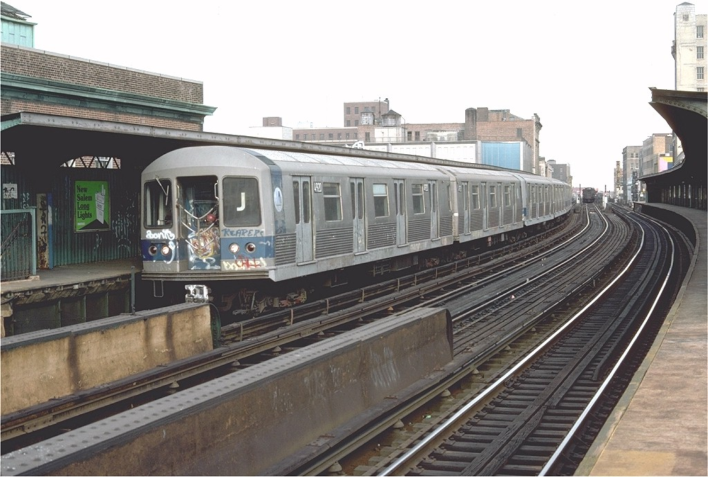 (196k, 1024x690)<br><b>Country:</b> United States<br><b>City:</b> New York<br><b>System:</b> New York City Transit<br><b>Line:</b> BMT Nassau Street/Jamaica Line<br><b>Location:</b> 160th Street (Demolished) <br><b>Route:</b> J<br><b>Car:</b> R-42 (St. Louis, 1969-1970)  4920 <br><b>Photo by:</b> Doug Grotjahn<br><b>Collection of:</b> Joe Testagrose<br><b>Date:</b> 11/7/1976<br><b>Viewed (this week/total):</b> 2 / 5236