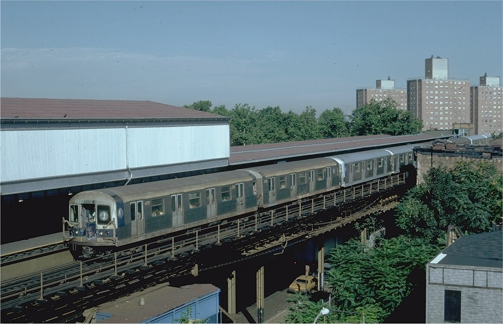 (202k, 1024x660)<br><b>Country:</b> United States<br><b>City:</b> New York<br><b>System:</b> New York City Transit<br><b>Line:</b> BMT Nassau Street/Jamaica Line<br><b>Location:</b> Broadway/East New York (Broadway Junction) <br><b>Route:</b> J<br><b>Car:</b> R-42 (St. Louis, 1969-1970)  4939 <br><b>Photo by:</b> Steve Zabel<br><b>Collection of:</b> Joe Testagrose<br><b>Date:</b> 7/16/1981<br><b>Viewed (this week/total):</b> 3 / 5246