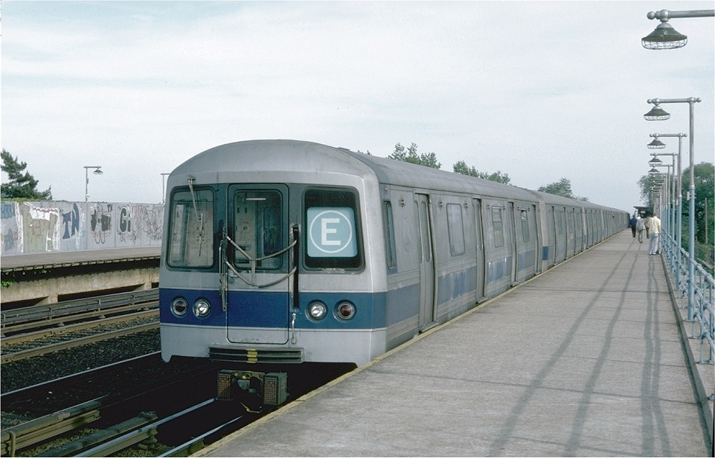 (163k, 1024x656)<br><b>Country:</b> United States<br><b>City:</b> New York<br><b>System:</b> New York City Transit<br><b>Line:</b> IND Rockaway<br><b>Location:</b> Aqueduct/North Conduit Avenue <br><b>Route:</b> E<br><b>Car:</b> R-44 (St. Louis, 1971-73) 242 <br><b>Photo by:</b> Doug Grotjahn<br><b>Collection of:</b> Joe Testagrose<br><b>Date:</b> 5/28/1976<br><b>Viewed (this week/total):</b> 2 / 4856