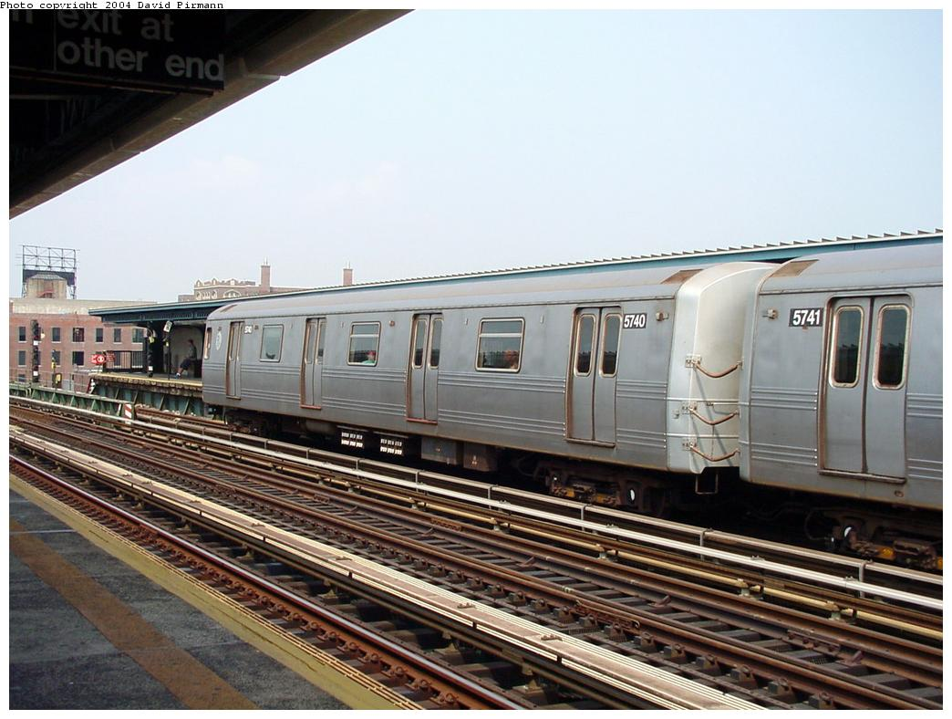 (133k, 1044x788)<br><b>Country:</b> United States<br><b>City:</b> New York<br><b>System:</b> New York City Transit<br><b>Line:</b> BMT Culver Line<br><b>Location:</b> Ditmas Avenue <br><b>Route:</b> F<br><b>Car:</b> R-46 (Pullman-Standard, 1974-75) 5740 <br><b>Photo by:</b> David Pirmann<br><b>Date:</b> 8/27/2000<br><b>Viewed (this week/total):</b> 1 / 2567