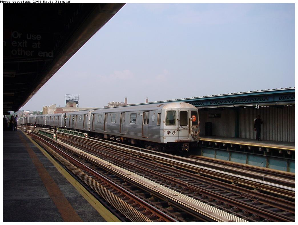 (112k, 1044x788)<br><b>Country:</b> United States<br><b>City:</b> New York<br><b>System:</b> New York City Transit<br><b>Line:</b> BMT Culver Line<br><b>Location:</b> Ditmas Avenue <br><b>Route:</b> F<br><b>Car:</b> R-46 (Pullman-Standard, 1974-75) 5748 <br><b>Photo by:</b> David Pirmann<br><b>Date:</b> 8/27/2000<br><b>Viewed (this week/total):</b> 2 / 2822