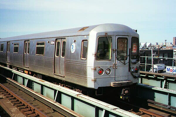 (116k, 600x400)<br><b>Country:</b> United States<br><b>City:</b> New York<br><b>System:</b> New York City Transit<br><b>Line:</b> BMT Culver Line<br><b>Location:</b> Avenue X <br><b>Route:</b> F<br><b>Car:</b> R-46 (Pullman-Standard, 1974-75) 5994 <br><b>Photo by:</b> Sidney Keyles<br><b>Date:</b> 5/22/1999<br><b>Viewed (this week/total):</b> 0 / 5259