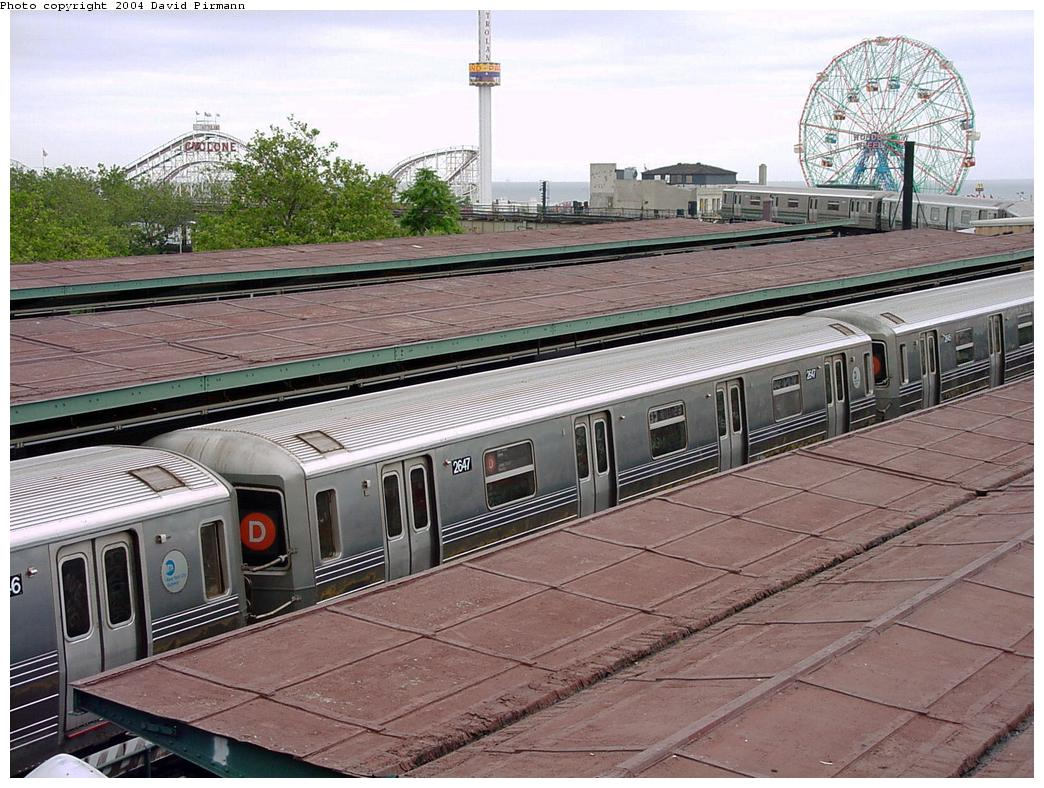 (162k, 1044x788)<br><b>Country:</b> United States<br><b>City:</b> New York<br><b>System:</b> New York City Transit<br><b>Location:</b> Coney Island/Stillwell Avenue<br><b>Route:</b> D<br><b>Car:</b> R-68 (Westinghouse-Amrail, 1986-1988)  2647 <br><b>Photo by:</b> David Pirmann<br><b>Date:</b> 6/18/2000<br><b>Viewed (this week/total):</b> 7 / 4835