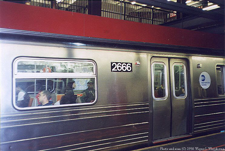 (91k, 743x500)<br><b>Country:</b> United States<br><b>City:</b> New York<br><b>System:</b> New York City Transit<br><b>Line:</b> IND 6th Avenue Line<br><b>Location:</b> 34th Street/Herald Square <br><b>Route:</b> D<br><b>Car:</b> R-68 (Westinghouse-Amrail, 1986-1988)  2666 <br><b>Photo by:</b> Wayne Whitehorne<br><b>Date:</b> 10/3/1998<br><b>Viewed (this week/total):</b> 6 / 5614
