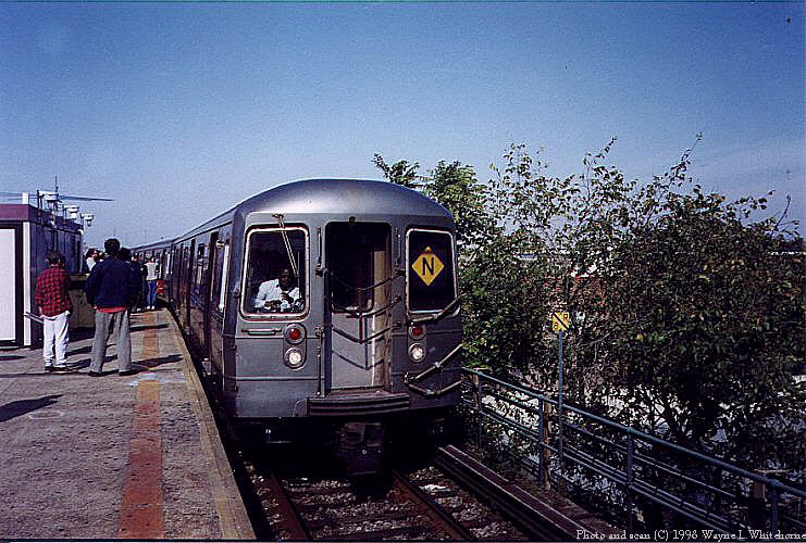 (117k, 741x500)<br><b>Country:</b> United States<br><b>City:</b> New York<br><b>System:</b> New York City Transit<br><b>Location:</b> Coney Island/Stillwell Avenue<br><b>Route:</b> N<br><b>Car:</b> R-68 (Westinghouse-Amrail, 1986-1988)  2832 <br><b>Photo by:</b> Wayne Whitehorne<br><b>Date:</b> 10/18/1998<br><b>Viewed (this week/total):</b> 5 / 6400