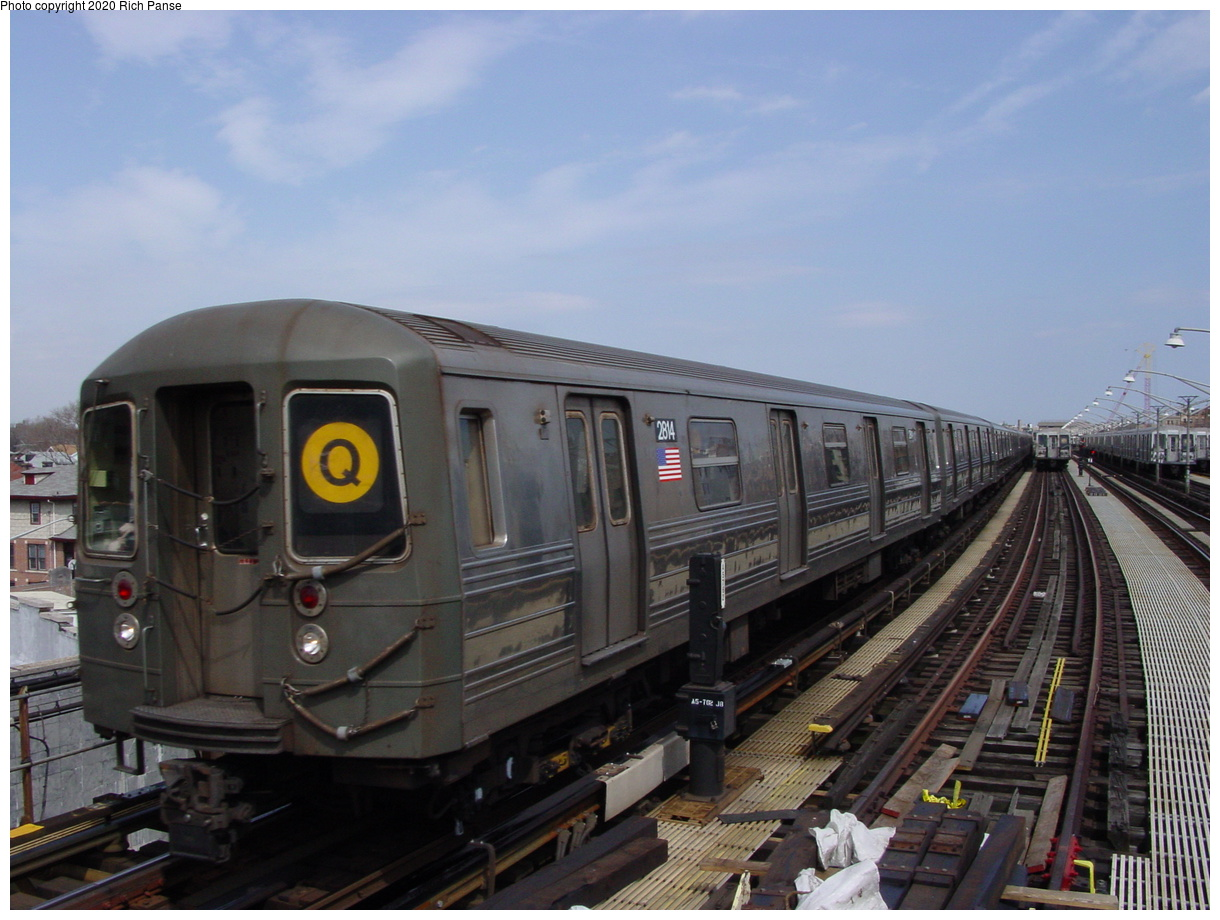 (67k, 820x620)<br><b>Country:</b> United States<br><b>City:</b> New York<br><b>System:</b> New York City Transit<br><b>Line:</b> BMT Brighton Line<br><b>Location:</b> Ocean Parkway <br><b>Route:</b> Q<br><b>Car:</b> R-68 (Westinghouse-Amrail, 1986-1988)  2814 <br><b>Photo by:</b> Richard Panse<br><b>Date:</b> 4/9/2002<br><b>Viewed (this week/total):</b> 5 / 5001