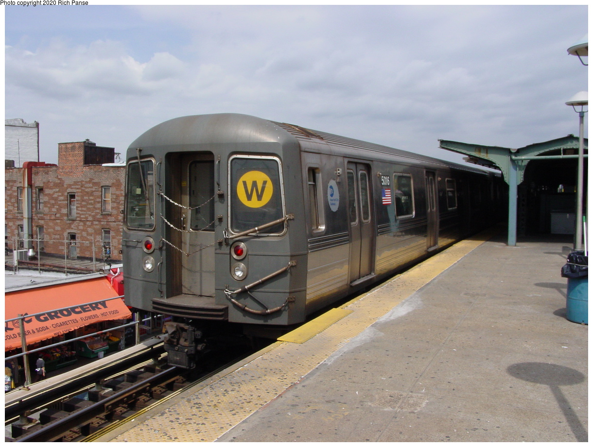 (72k, 820x620)<br><b>Country:</b> United States<br><b>City:</b> New York<br><b>System:</b> New York City Transit<br><b>Location:</b> Coney Island/Stillwell Avenue<br><b>Route:</b> W<br><b>Car:</b> R-68A (Kawasaki, 1988-1989)  5016 <br><b>Photo by:</b> Richard Panse<br><b>Date:</b> 4/9/2002<br><b>Viewed (this week/total):</b> 0 / 4287