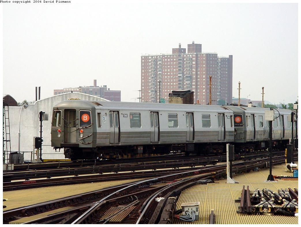 (137k, 1044x788)<br><b>Country:</b> United States<br><b>City:</b> New York<br><b>System:</b> New York City Transit<br><b>Location:</b> Coney Island/Stillwell Avenue<br><b>Route:</b> B<br><b>Car:</b> R-68A (Kawasaki, 1988-1989)  5146 <br><b>Photo by:</b> David Pirmann<br><b>Date:</b> 8/27/2000<br><b>Viewed (this week/total):</b> 0 / 3919