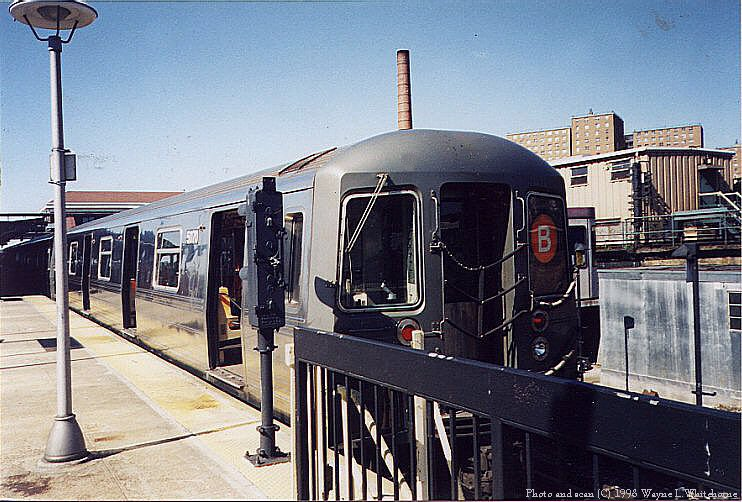 (104k, 742x502)<br><b>Country:</b> United States<br><b>City:</b> New York<br><b>System:</b> New York City Transit<br><b>Location:</b> Coney Island/Stillwell Avenue<br><b>Route:</b> B<br><b>Car:</b> R-68A (Kawasaki, 1988-1989)  5070 <br><b>Photo by:</b> Wayne Whitehorne<br><b>Date:</b> 4/28/1998<br><b>Viewed (this week/total):</b> 6 / 4373