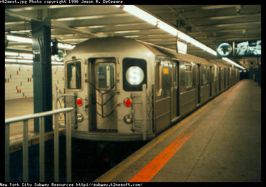 (44k, 540x379)<br><b>Country:</b> United States<br><b>City:</b> New York<br><b>System:</b> New York City Transit<br><b>Line:</b> IRT Times Square-Grand Central Shuttle<br><b>Location:</b> Grand Central <br><b>Car:</b> R-62A (Bombardier, 1984-1987)   <br><b>Photo by:</b> Jason R. DeCesare<br><b>Date:</b> 1995<br><b>Viewed (this week/total):</b> 4 / 6255