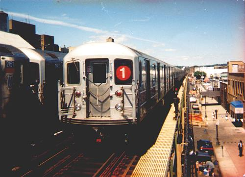 (31k, 500x361)<br><b>Country:</b> United States<br><b>City:</b> New York<br><b>System:</b> New York City Transit<br><b>Line:</b> IRT West Side Line<br><b>Location:</b> 231st Street <br><b>Route:</b> 1<br><b>Car:</b> R-62A (Bombardier, 1984-1987)   <br><b>Photo by:</b> Trevor Logan<br><b>Date:</b> 2000<br><b>Viewed (this week/total):</b> 1 / 5133