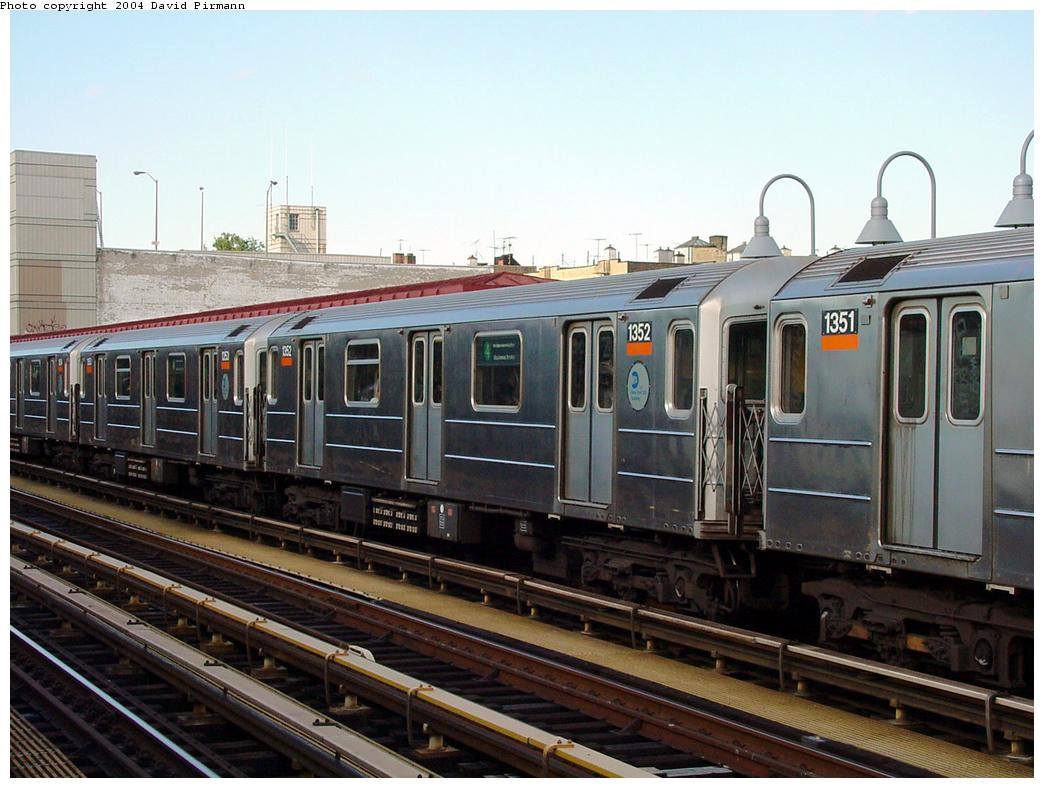 (127k, 1044x788)<br><b>Country:</b> United States<br><b>City:</b> New York<br><b>System:</b> New York City Transit<br><b>Line:</b> IRT Woodlawn Line<br><b>Location:</b> Fordham Road <br><b>Route:</b> 4<br><b>Car:</b> R-62 (Kawasaki, 1983-1985)  1352 <br><b>Photo by:</b> David Pirmann<br><b>Date:</b> 7/12/2001<br><b>Viewed (this week/total):</b> 0 / 4062