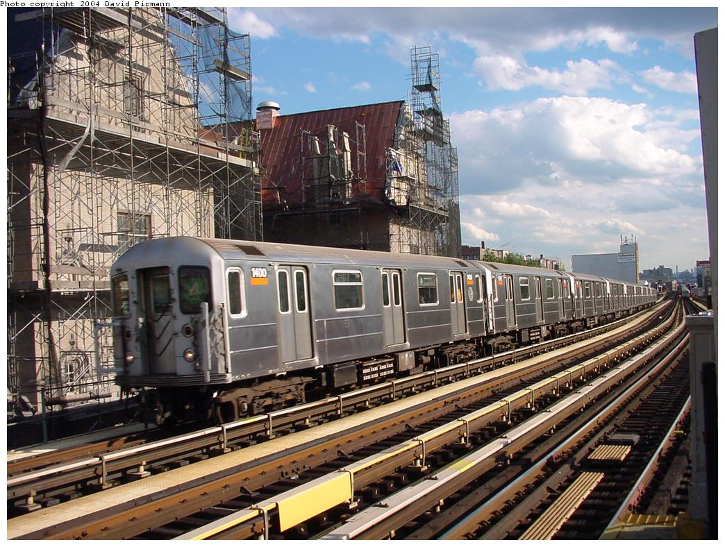 (179k, 1044x788)<br><b>Country:</b> United States<br><b>City:</b> New York<br><b>System:</b> New York City Transit<br><b>Line:</b> IRT Woodlawn Line<br><b>Location:</b> Fordham Road <br><b>Route:</b> 4<br><b>Car:</b> R-62 (Kawasaki, 1983-1985)  1400 <br><b>Photo by:</b> David Pirmann<br><b>Date:</b> 7/12/2001<br><b>Viewed (this week/total):</b> 4 / 11673