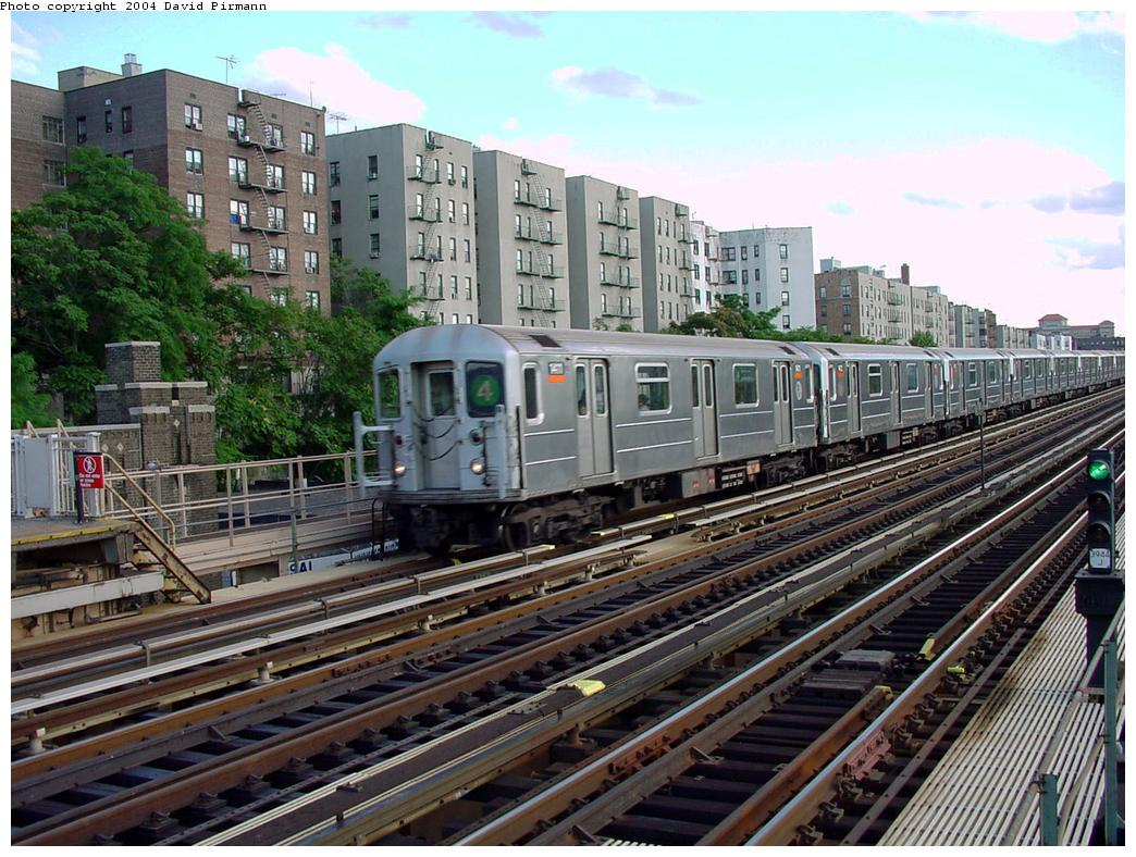 (170k, 1044x788)<br><b>Country:</b> United States<br><b>City:</b> New York<br><b>System:</b> New York City Transit<br><b>Line:</b> IRT Woodlawn Line<br><b>Location:</b> Mt. Eden Avenue <br><b>Route:</b> 4<br><b>Car:</b> R-62 (Kawasaki, 1983-1985)  1411 <br><b>Photo by:</b> David Pirmann<br><b>Date:</b> 7/12/2001<br><b>Viewed (this week/total):</b> 1 / 4826