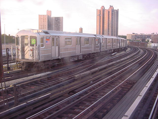 (61k, 640x480)<br><b>Country:</b> United States<br><b>City:</b> New York<br><b>System:</b> New York City Transit<br><b>Line:</b> IRT Woodlawn Line<br><b>Location:</b> Bedford Park Boulevard <br><b>Route:</b> 4<br><b>Car:</b> R-62 (Kawasaki, 1983-1985)  1441 <br><b>Photo by:</b> Salaam Allah<br><b>Date:</b> 9/22/2002<br><b>Viewed (this week/total):</b> 3 / 4891