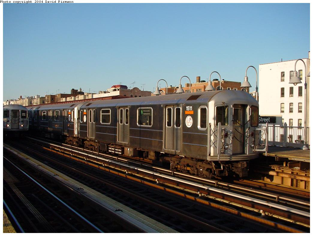 (114k, 1044x788)<br><b>Country:</b> United States<br><b>City:</b> New York<br><b>System:</b> New York City Transit<br><b>Line:</b> IRT Woodlawn Line<br><b>Location:</b> 170th Street <br><b>Route:</b> 4<br><b>Car:</b> R-62 (Kawasaki, 1983-1985)  1511 <br><b>Photo by:</b> David Pirmann<br><b>Date:</b> 7/12/2001<br><b>Viewed (this week/total):</b> 2 / 2374
