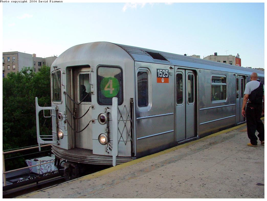 (113k, 1044x788)<br><b>Country:</b> United States<br><b>City:</b> New York<br><b>System:</b> New York City Transit<br><b>Line:</b> IRT Woodlawn Line<br><b>Location:</b> Burnside Avenue <br><b>Route:</b> 4<br><b>Car:</b> R-62 (Kawasaki, 1983-1985)  1525 <br><b>Photo by:</b> David Pirmann<br><b>Date:</b> 7/12/2001<br><b>Viewed (this week/total):</b> 6 / 5078