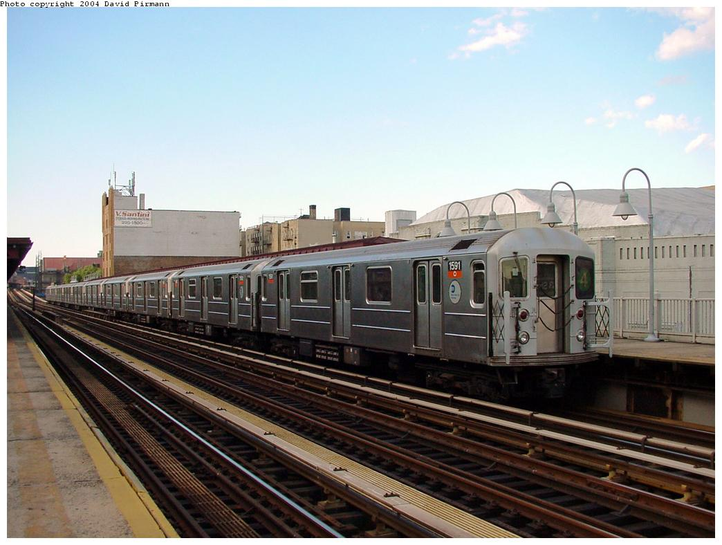 (118k, 1044x788)<br><b>Country:</b> United States<br><b>City:</b> New York<br><b>System:</b> New York City Transit<br><b>Line:</b> IRT Woodlawn Line<br><b>Location:</b> 183rd Street <br><b>Route:</b> 4<br><b>Car:</b> R-62 (Kawasaki, 1983-1985)  1591 <br><b>Photo by:</b> David Pirmann<br><b>Date:</b> 7/12/2001<br><b>Viewed (this week/total):</b> 0 / 2788