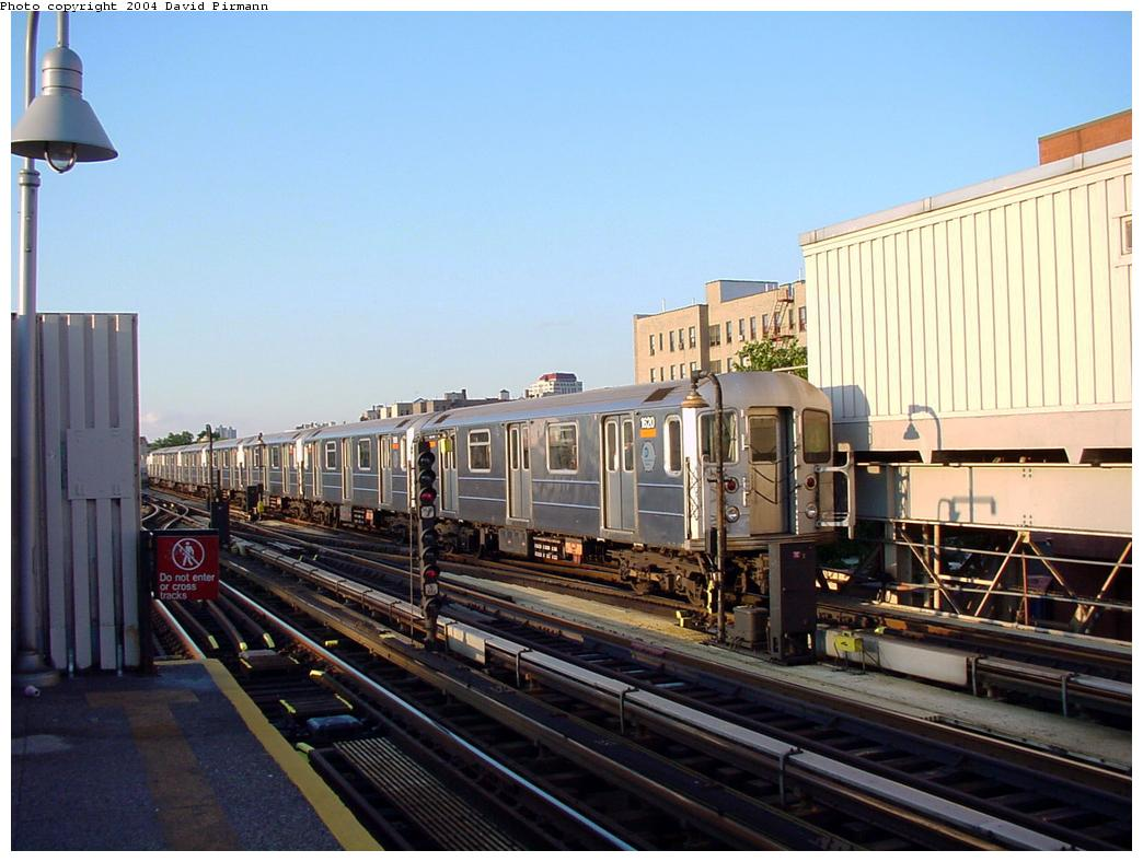 (121k, 1044x788)<br><b>Country:</b> United States<br><b>City:</b> New York<br><b>System:</b> New York City Transit<br><b>Line:</b> IRT Woodlawn Line<br><b>Location:</b> 167th Street <br><b>Route:</b> 4<br><b>Car:</b> R-62 (Kawasaki, 1983-1985)  1620 <br><b>Photo by:</b> David Pirmann<br><b>Date:</b> 7/12/2001<br><b>Viewed (this week/total):</b> 5 / 3558