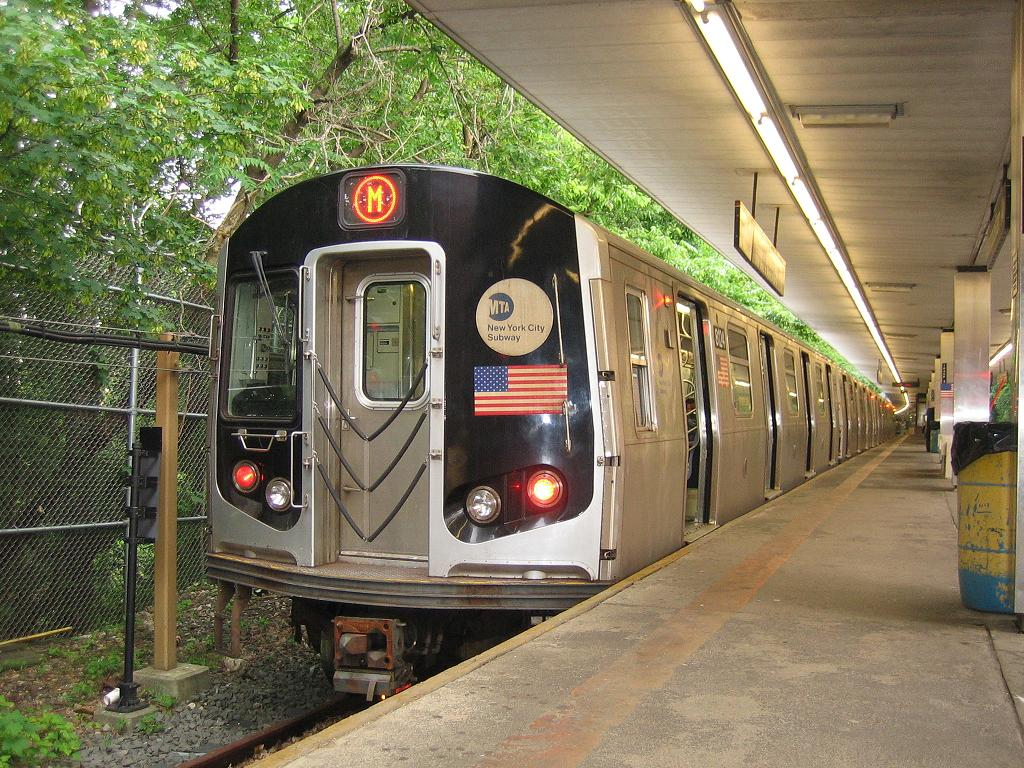 (196k, 1024x768)<br><b>Country:</b> United States<br><b>City:</b> New York<br><b>System:</b> New York City Transit<br><b>Line:</b> BMT Myrtle Avenue Line<br><b>Location:</b> Metropolitan Avenue <br><b>Route:</b> Shuttle<br><b>Car:</b> R-143 (Kawasaki, 2001-2002) 8124 <br><b>Photo by:</b> Michael Hodurski<br><b>Date:</b> 6/4/2006<br><b>Viewed (this week/total):</b> 5 / 3614