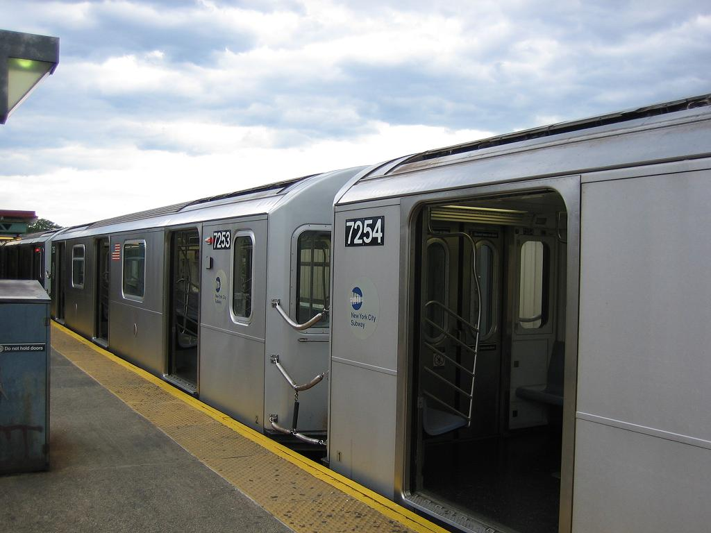 (92k, 1024x768)<br><b>Country:</b> United States<br><b>City:</b> New York<br><b>System:</b> New York City Transit<br><b>Line:</b> IRT Pelham Line<br><b>Location:</b> Pelham Bay Park <br><b>Route:</b> 6<br><b>Car:</b> R-142A (Primary Order, Kawasaki, 1999-2002)  7254 <br><b>Photo by:</b> Michael Hodurski<br><b>Date:</b> 5/21/2006<br><b>Viewed (this week/total):</b> 3 / 4400