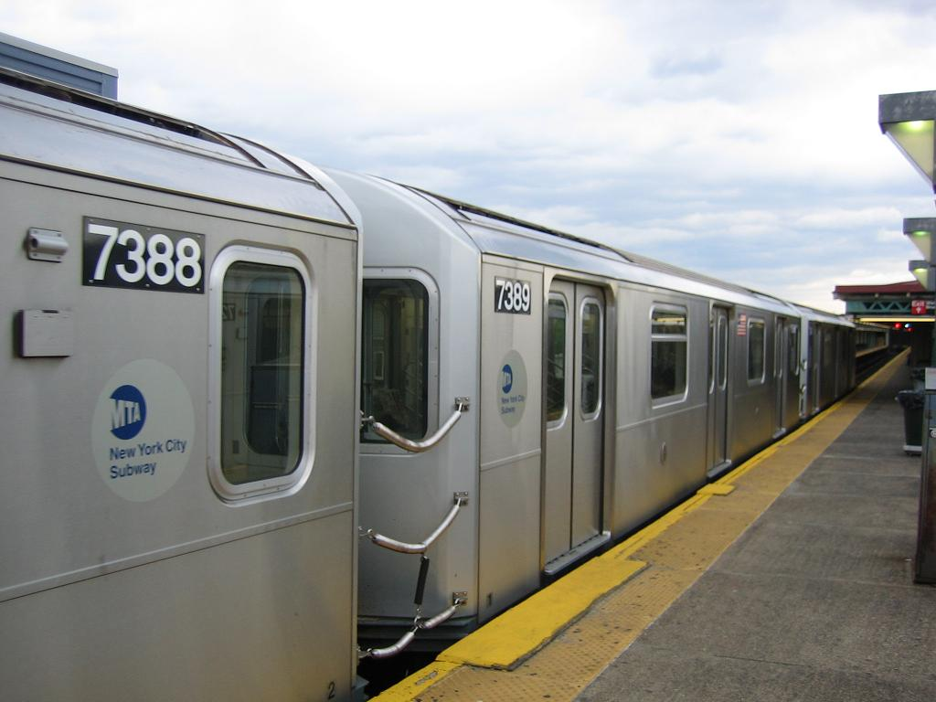(83k, 1024x768)<br><b>Country:</b> United States<br><b>City:</b> New York<br><b>System:</b> New York City Transit<br><b>Line:</b> IRT Pelham Line<br><b>Location:</b> Pelham Bay Park <br><b>Route:</b> 6<br><b>Car:</b> R-142A (Primary Order, Kawasaki, 1999-2002)  7389 <br><b>Photo by:</b> Michael Hodurski<br><b>Date:</b> 5/21/2006<br><b>Viewed (this week/total):</b> 5 / 3074