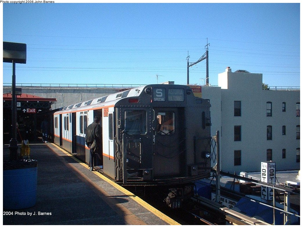 (188k, 1044x788)<br><b>Country:</b> United States<br><b>City:</b> New York<br><b>System:</b> New York City Transit<br><b>Line:</b> BMT Astoria Line<br><b>Location:</b> Ditmars Boulevard <br><b>Route:</b> Fan Trip<br><b>Car:</b> R-7A (Pullman, 1938)  1575 <br><b>Photo by:</b> John Barnes<br><b>Date:</b> 10/27/2004<br><b>Viewed (this week/total):</b> 1 / 1769