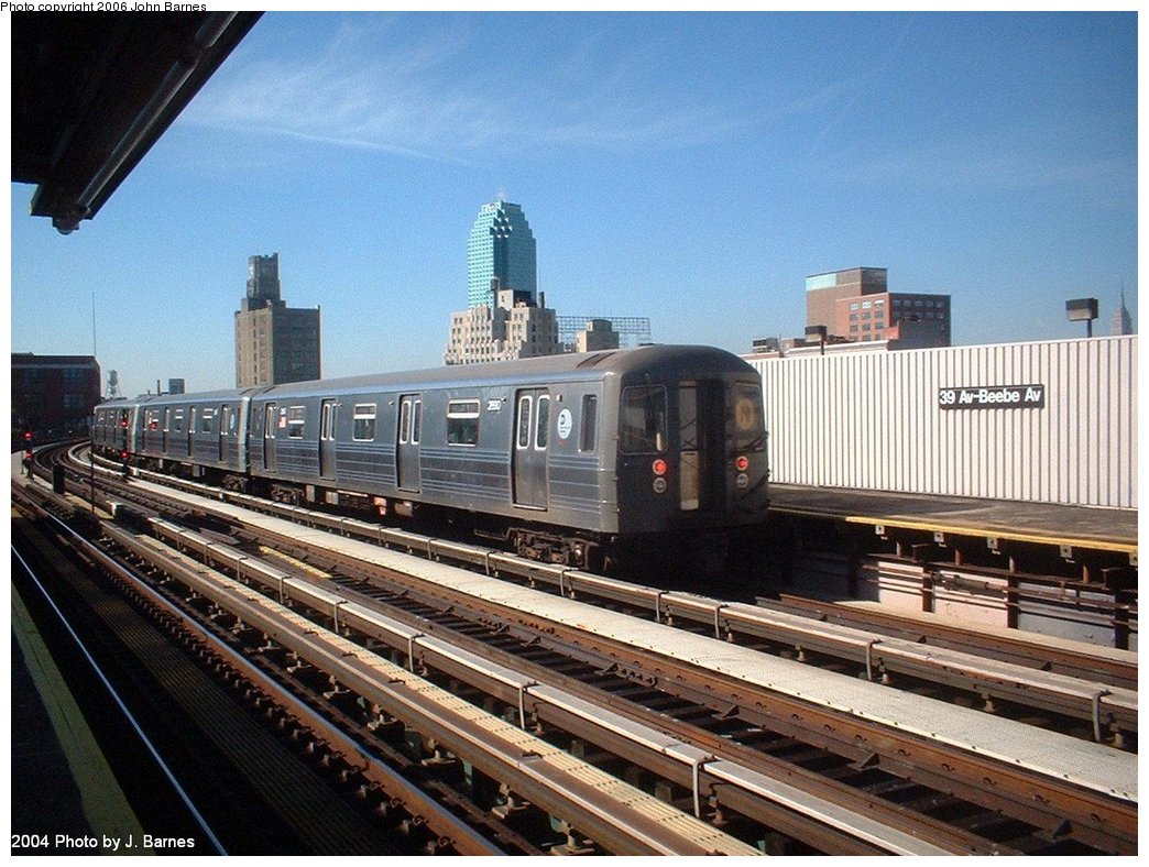(206k, 1044x788)<br><b>Country:</b> United States<br><b>City:</b> New York<br><b>System:</b> New York City Transit<br><b>Line:</b> BMT Astoria Line<br><b>Location:</b> 39th/Beebe Aves. <br><b>Route:</b> N<br><b>Car:</b> R-68 (Westinghouse-Amrail, 1986-1988)  2590 <br><b>Photo by:</b> John Barnes<br><b>Date:</b> 10/27/2004<br><b>Viewed (this week/total):</b> 3 / 2620