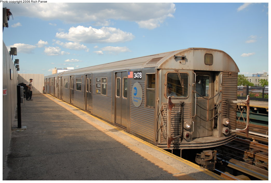 (180k, 1044x705)<br><b>Country:</b> United States<br><b>City:</b> New York<br><b>System:</b> New York City Transit<br><b>Line:</b> BMT Astoria Line<br><b>Location:</b> Broadway <br><b>Route:</b> N<br><b>Car:</b> R-32 (Budd, 1964)  3478 <br><b>Photo by:</b> Richard Panse<br><b>Date:</b> 6/13/2006<br><b>Viewed (this week/total):</b> 1 / 2112