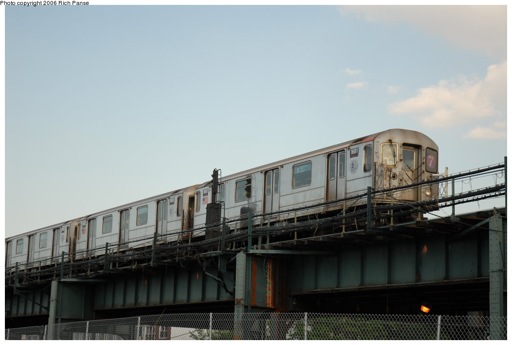 (145k, 1044x705)<br><b>Country:</b> United States<br><b>City:</b> New York<br><b>System:</b> New York City Transit<br><b>Line:</b> IRT Flushing Line<br><b>Location:</b> 69th Street/Fisk Avenue <br><b>Route:</b> 7<br><b>Car:</b> R-62A (Bombardier, 1984-1987)  1681 <br><b>Photo by:</b> Richard Panse<br><b>Date:</b> 6/13/2006<br><b>Notes:</b> El crossing the BQE along Roosevelt Ave.<br><b>Viewed (this week/total):</b> 8 / 2234