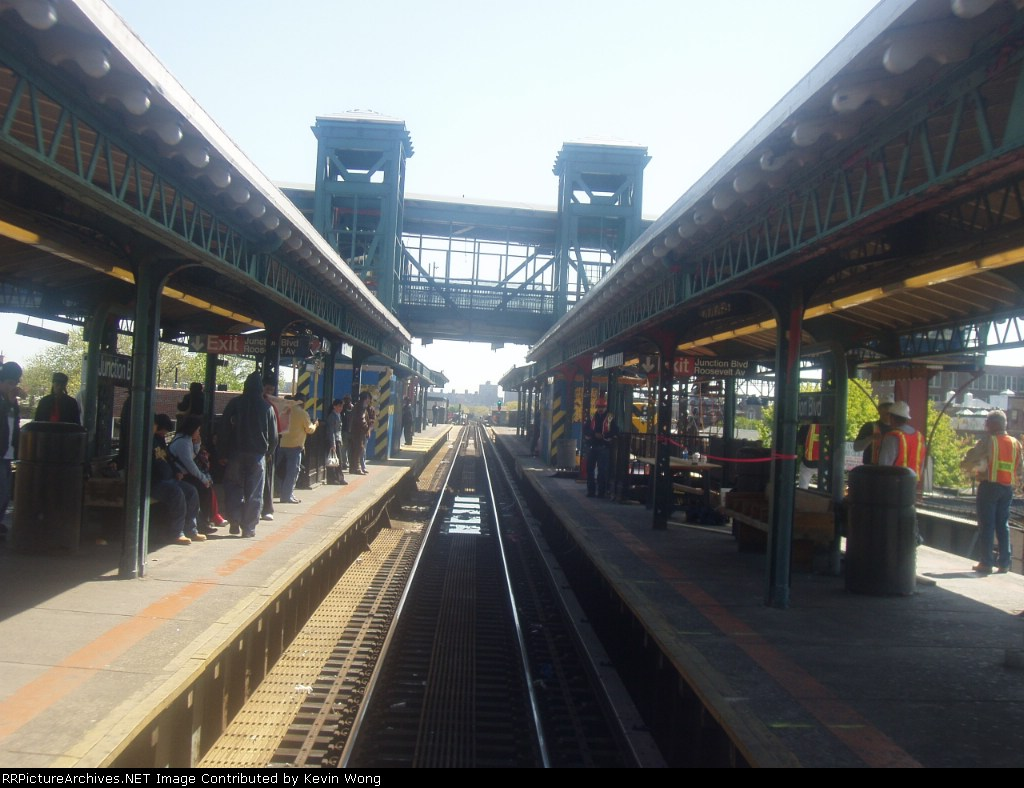 (158k, 1024x788)<br><b>Country:</b> United States<br><b>City:</b> New York<br><b>System:</b> New York City Transit<br><b>Line:</b> IRT Flushing Line<br><b>Location:</b> Junction Boulevard <br><b>Photo by:</b> Kevin Wong<br><b>Date:</b> 4/29/2006<br><b>Notes:</b> View of station with new elevator overpass.<br><b>Viewed (this week/total):</b> 1 / 1499