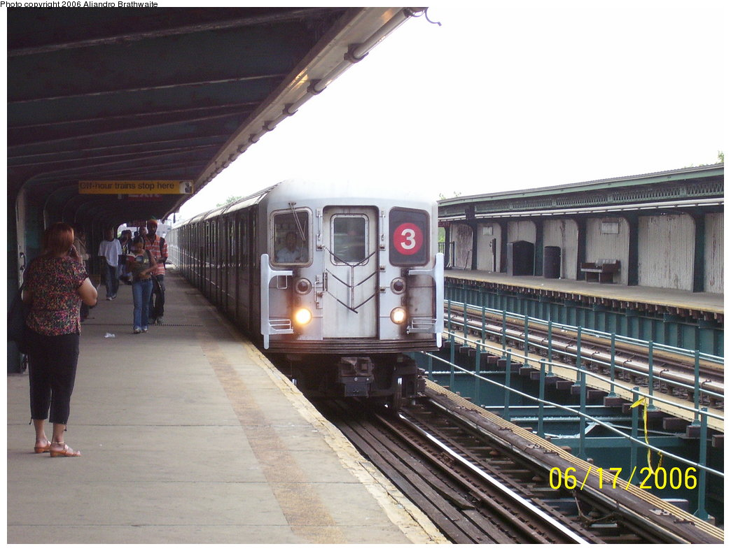 (177k, 1044x788)<br><b>Country:</b> United States<br><b>City:</b> New York<br><b>System:</b> New York City Transit<br><b>Line:</b> IRT Brooklyn Line<br><b>Location:</b> Van Siclen Avenue <br><b>Route:</b> 3<br><b>Car:</b> R-62 (Kawasaki, 1983-1985)  1301 <br><b>Photo by:</b> Aliandro Brathwaite<br><b>Date:</b> 6/17/2006<br><b>Viewed (this week/total):</b> 0 / 6017