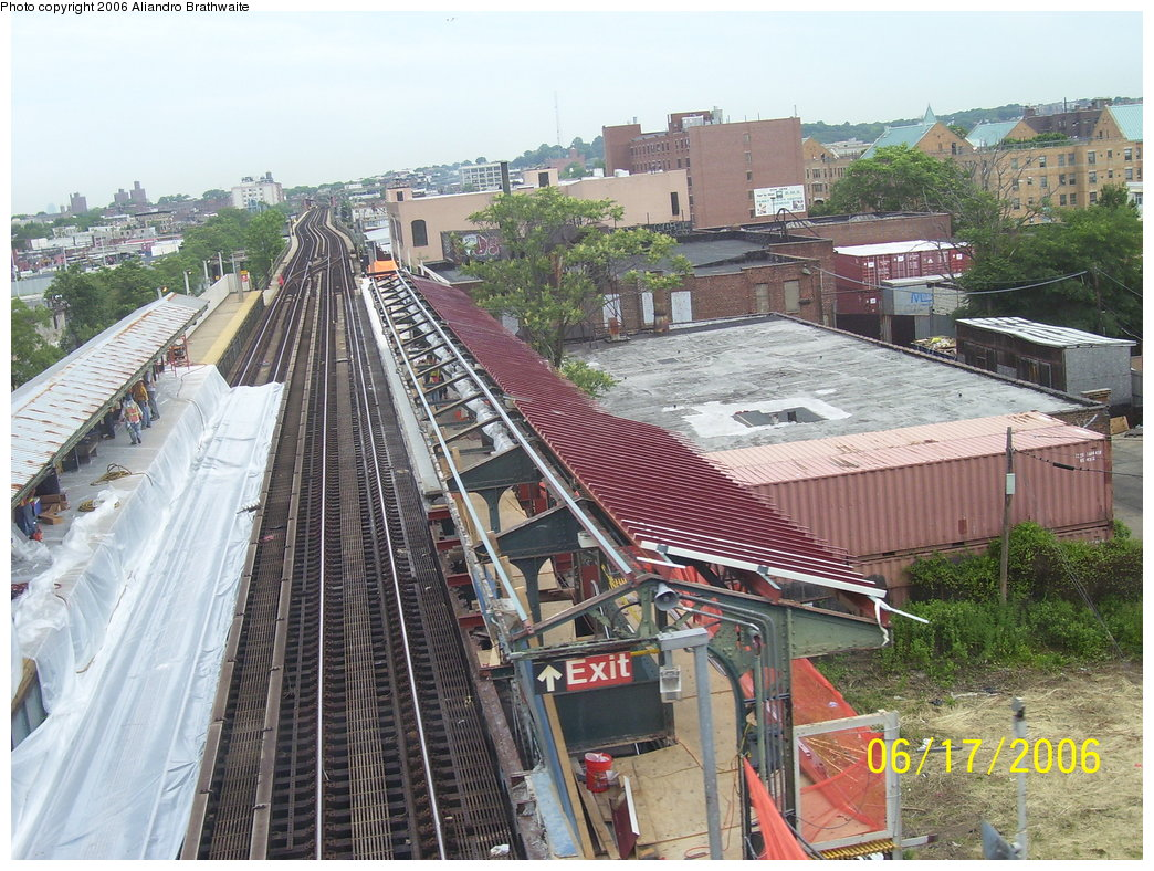 (242k, 1044x788)<br><b>Country:</b> United States<br><b>City:</b> New York<br><b>System:</b> New York City Transit<br><b>Line:</b> BMT Canarsie Line<br><b>Location:</b> Livonia Avenue <br><b>Photo by:</b> Aliandro Brathwaite<br><b>Date:</b> 6/17/2006<br><b>Notes:</b> Livonia Ave. station rehabilitation.<br><b>Viewed (this week/total):</b> 2 / 2884
