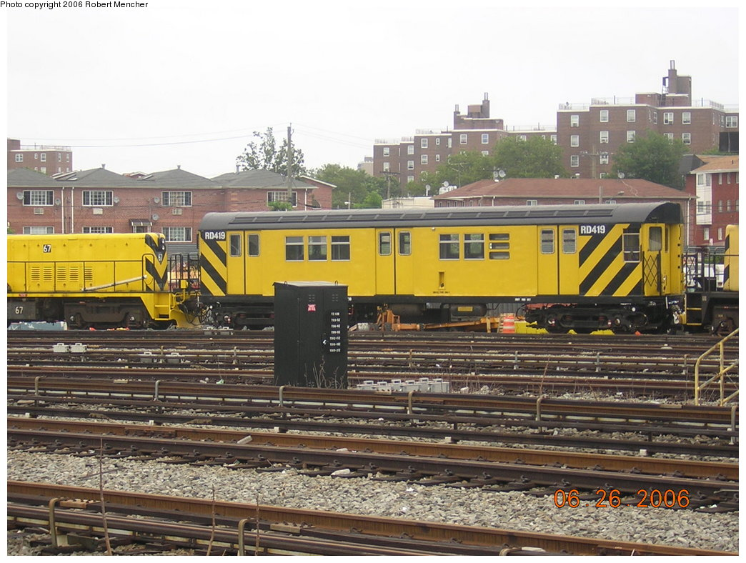 (235k, 1044x788)<br><b>Country:</b> United States<br><b>City:</b> New York<br><b>System:</b> New York City Transit<br><b>Location:</b> Rockaway Parkway (Canarsie) Yard<br><b>Car:</b> R-161 Rider Car (ex-R-33)  RD419 (ex-9067)<br><b>Photo by:</b> Robert Mencher<br><b>Date:</b> 6/26/2006<br><b>Viewed (this week/total):</b> 0 / 1381