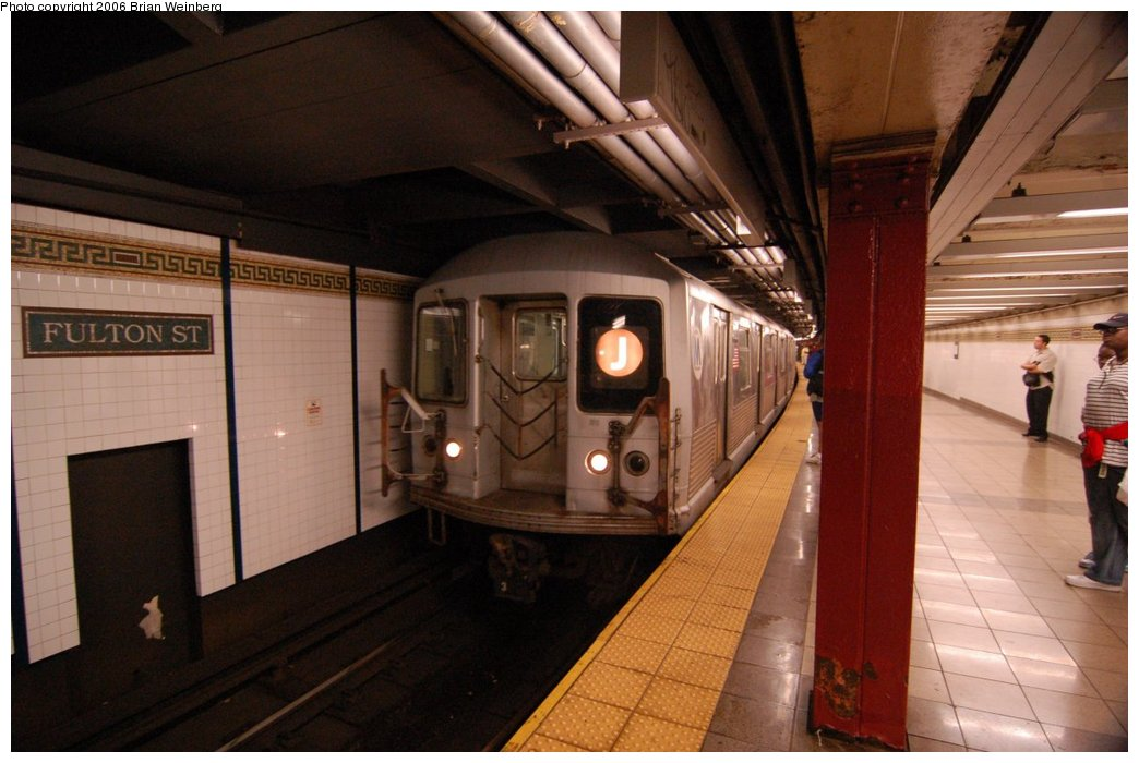 (193k, 1044x700)<br><b>Country:</b> United States<br><b>City:</b> New York<br><b>System:</b> New York City Transit<br><b>Line:</b> BMT Nassau Street/Jamaica Line<br><b>Location:</b> Fulton Street <br><b>Route:</b> J<br><b>Car:</b> R-42 (St. Louis, 1969-1970)  4782 <br><b>Photo by:</b> Brian Weinberg<br><b>Date:</b> 6/28/2006<br><b>Notes:</b> Front of the northbound platform, i.e. the lower level (looking south).<br><b>Viewed (this week/total):</b> 1 / 2843