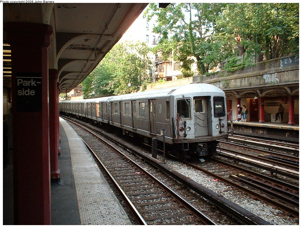 (272k, 1044x788)<br><b>Country:</b> United States<br><b>City:</b> New York<br><b>System:</b> New York City Transit<br><b>Line:</b> BMT Brighton Line<br><b>Location:</b> Parkside Avenue <br><b>Route:</b> S<br><b>Car:</b> R-42 (St. Louis, 1969-1970)  4672 <br><b>Photo by:</b> John Barnes<br><b>Date:</b> 7/9/2006<br><b>Viewed (this week/total):</b> 4 / 2028