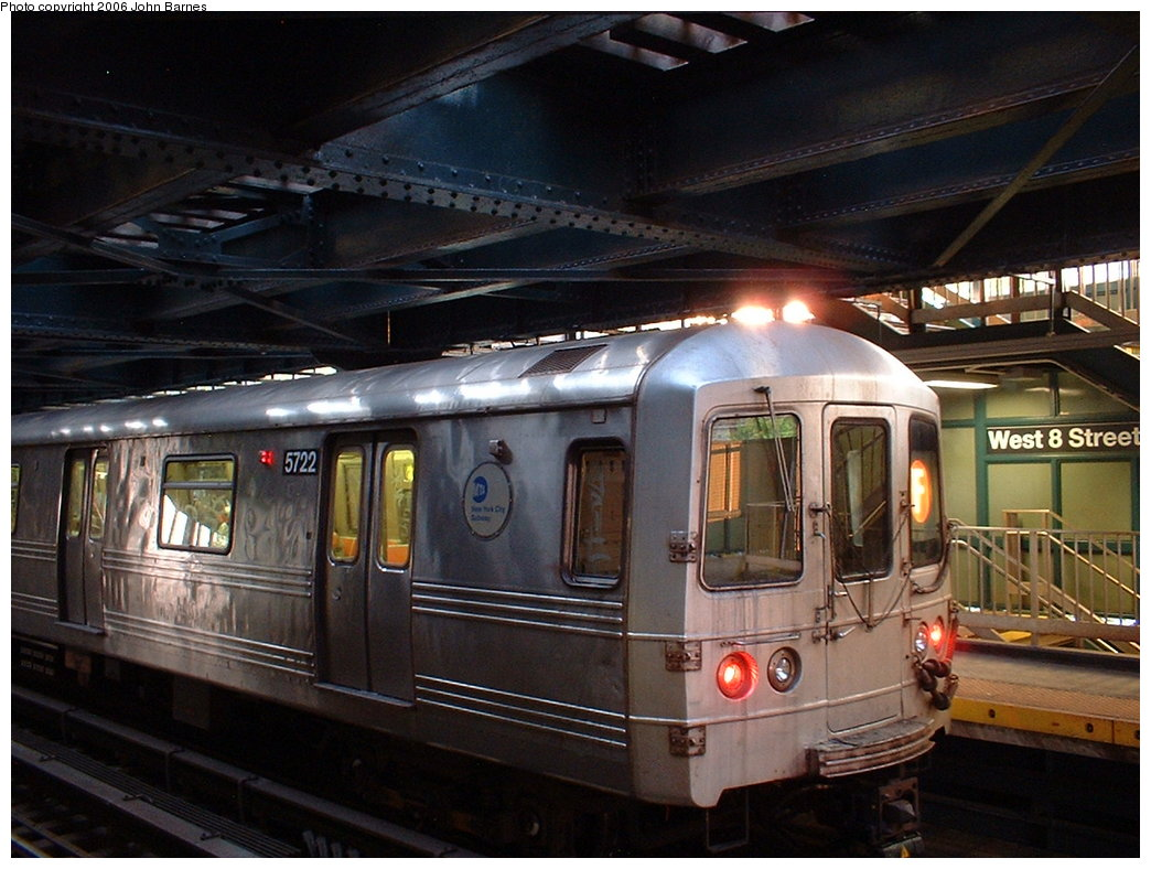 (184k, 1044x788)<br><b>Country:</b> United States<br><b>City:</b> New York<br><b>System:</b> New York City Transit<br><b>Line:</b> BMT Culver Line<br><b>Location:</b> West 8th Street <br><b>Route:</b> F<br><b>Car:</b> R-46 (Pullman-Standard, 1974-75) 5722 <br><b>Photo by:</b> John Barnes<br><b>Date:</b> 7/9/2006<br><b>Viewed (this week/total):</b> 2 / 2508