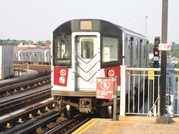 (48k, 600x450)<br><b>Country:</b> United States<br><b>City:</b> New York<br><b>System:</b> New York City Transit<br><b>Line:</b> IRT Pelham Line<br><b>Location:</b> Castle Hill Avenue <br><b>Route:</b> 6<br><b>Car:</b> R-142 or R-142A (Number Unknown)  <br><b>Photo by:</b> Professor J<br><b>Date:</b> 7/17/2006<br><b>Viewed (this week/total):</b> 0 / 2890