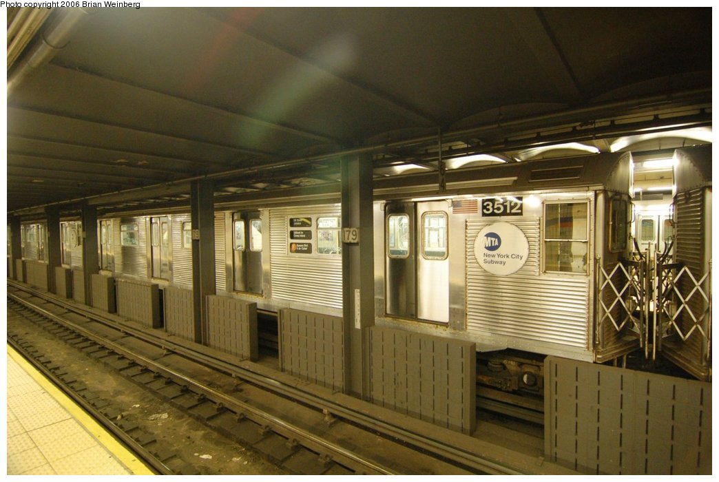 (205k, 1044x700)<br><b>Country:</b> United States<br><b>City:</b> New York<br><b>System:</b> New York City Transit<br><b>Line:</b> IND Queens Boulevard Line<br><b>Location:</b> 179th Street <br><b>Route:</b> F<br><b>Car:</b> R-32 (Budd, 1964)  3512 <br><b>Photo by:</b> Brian Weinberg<br><b>Date:</b> 7/16/2006<br><b>Viewed (this week/total):</b> 2 / 3665