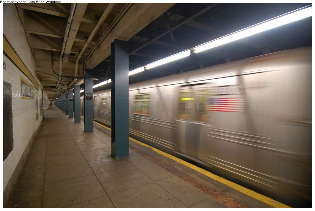 (166k, 1044x700)<br><b>Country:</b> United States<br><b>City:</b> New York<br><b>System:</b> New York City Transit<br><b>Line:</b> IND Queens Boulevard Line<br><b>Location:</b> Briarwood/Van Wyck Boulevard <br><b>Car:</b> R-46 (Pullman-Standard, 1974-75)  <br><b>Photo by:</b> Brian Weinberg<br><b>Date:</b> 7/16/2006<br><b>Viewed (this week/total):</b> 3 / 2968