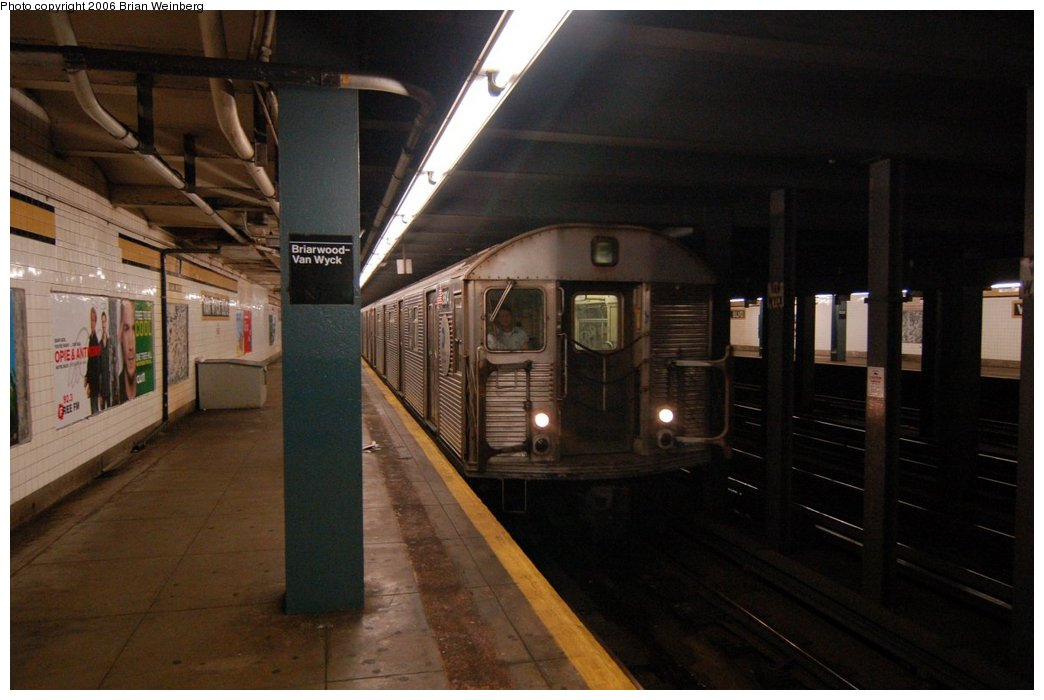 (182k, 1044x700)<br><b>Country:</b> United States<br><b>City:</b> New York<br><b>System:</b> New York City Transit<br><b>Line:</b> IND Queens Boulevard Line<br><b>Location:</b> Briarwood/Van Wyck Boulevard <br><b>Route:</b> F<br><b>Car:</b> R-32 (Budd, 1964)  3604 <br><b>Photo by:</b> Brian Weinberg<br><b>Date:</b> 7/16/2006<br><b>Viewed (this week/total):</b> 1 / 3016
