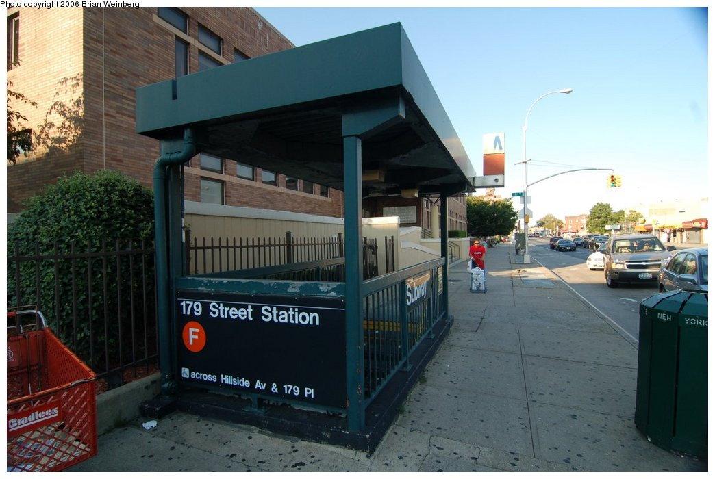 (198k, 1044x700)<br><b>Country:</b> United States<br><b>City:</b> New York<br><b>System:</b> New York City Transit<br><b>Line:</b> IND Queens Boulevard Line<br><b>Location:</b> 179th Street <br><b>Photo by:</b> Brian Weinberg<br><b>Date:</b> 7/16/2006<br><b>Notes:</b> Entrance<br><b>Viewed (this week/total):</b> 0 / 3504